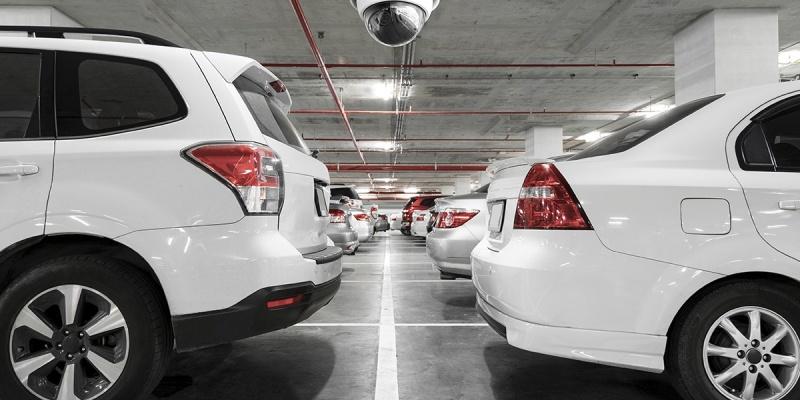 Estacionamentos são responsáveis pelos objetos deixados no carro