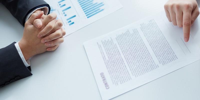 Saiba o que é uma ação revisional de contratos